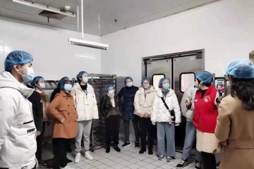 """""""健康生活 安全同行"""",315走进华润万家操作间"""